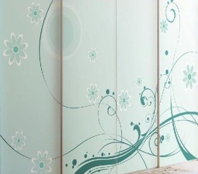 衣柜定制,衣柜定制用玻璃门哪一款比较好?