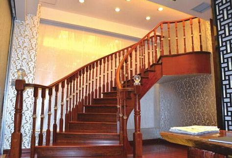 木楼梯扶手价格