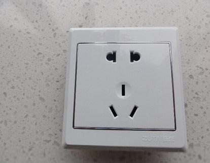 墙壁插座五孔怎么样 五孔插座价格
