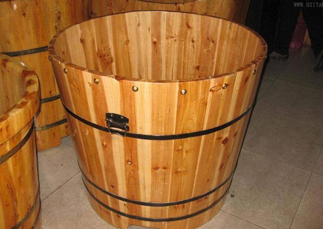 木桶浴缸哪种比较好 木桶浴缸选购