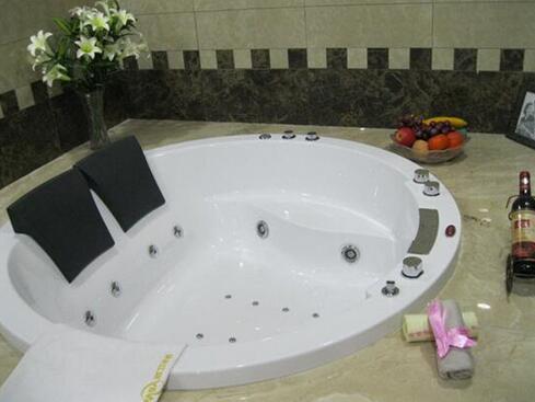 圆形冲浪浴缸价格 圆形冲浪浴缸品牌