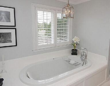 一般浴缸高度是多少