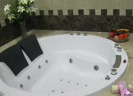 圆形浴缸规格尺寸一般是多少