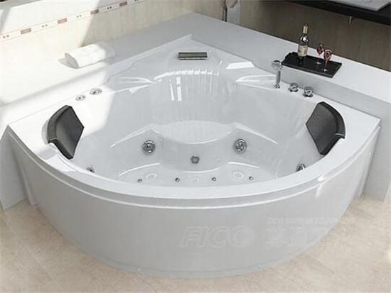 扇形浴缸价格一般是多少钱