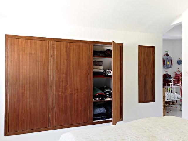 北欧风格入墙式衣柜图片