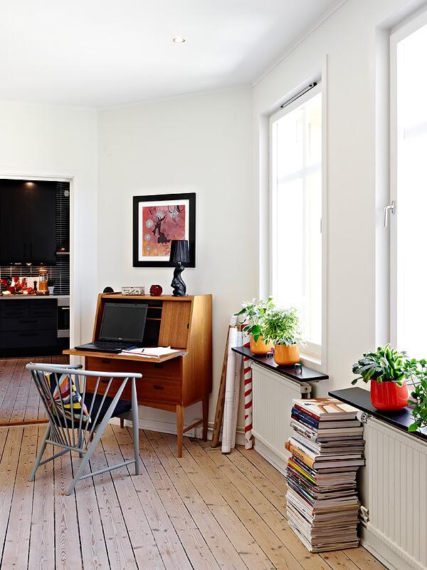 北欧风格客厅书桌图片