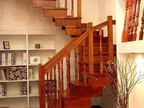 家用楼梯扶手高度一般多高