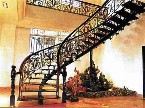 铁艺楼梯扶手怎样安装